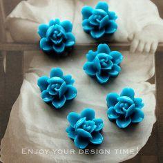 10 PCS  Wholesale Beautiful  Colorful 6-petal Flower Resin Cabochon - -12mm(CAB-I -11)