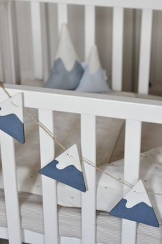 Baby garland with milkpaint