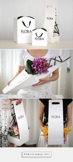 다양한모양의 꽃 포장상자는 꽃의 모양에따라 보다 안전하고 편한형태로 운반할수 있게 만들어준다.