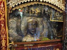 «Ελάτε στην εκκλησία να δείτε. Κλαίει ο Ταξιάρχης» Michael Gabriel, Archangel Michael, Religious Icons, Religion, Greek, Painting, Health, Google, Fitness