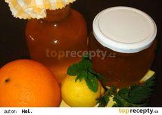 """Pampeliškový """"med""""... tak trochu jarně vymazlený recept - TopRecepty.cz Hot Sauce Bottles, Pudding, Orange, Fruit, Desserts, Food, Lemon, Alcohol, Tailgate Desserts"""