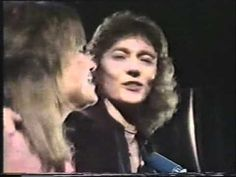 CHRIS NORMAN AND SUZI QUATRO, STUMBLIN IN. SENSATIONAL !,,,,,,,,,,,,,,,, GO ON HAVE A LITTLE DANCE AND SING ALONG YOU'L FEEL GOOD HEHEHEHE