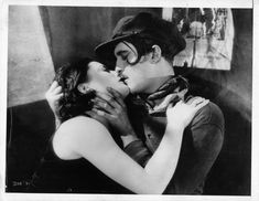 Greta Garbo nel film Il bacio, 1929