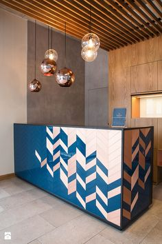 Gorgeous hotel lobby design with coppery details and blue reception Decor, Interior, Lobby Design, Modern Reception Desk Design, Counter Design, Office Interior Design, Desk Design, Furniture Design, Office Design