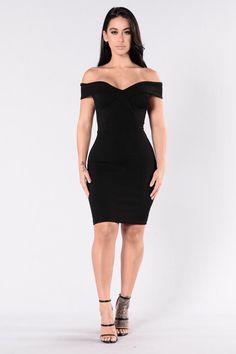 Speak Your Heart Dress - Black – Fashion Nova Grad Dresses Short, Formal Dresses For Men, Dresses For Teens, Tight Dresses, Sexy Dresses, Fashion Dresses, Robes Glamour, Burgundy Dress, Dress Black