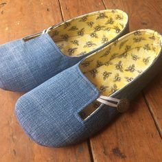 Women's Sewing Pattern for Outdoor Soft Soled Shoes Baby Shoes Pattern, Shoe Pattern, Sewing Slippers, Homemade Shoes, Baby Shoes Tutorial, Only Shoes, How To Make Shoes, Pdf Sewing Patterns, Sewing Clothes