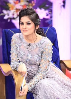 Well, not every person finds the idea of expensive and fancy wedding attractive. Sanam Baloch Wedding Pics are the proof that one could look regal in simple wedding also. Pakistani Models, Pakistani Actress, Bollywood Actress, Pakistani Dress Design, Pakistani Dresses, Shadi Dresses, Pakistani Suits, Sanam Baloch Wedding, Vintage Dresses