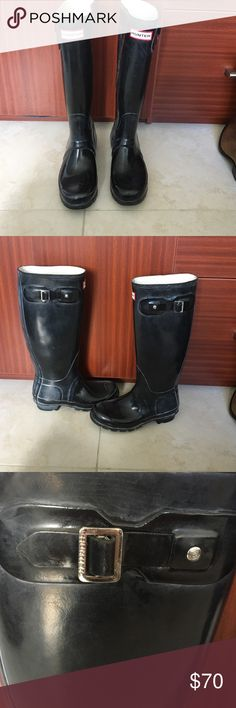 Hunter black tall glossy boots sz 5 Pre loved , has some scratches and scuffs and need to be cleaned with hunter products but to tears or rips and overall in good condition Hunter Shoes Winter & Rain Boots