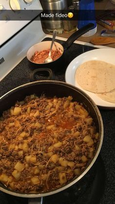 My fiances mother always made her Fideo this way, and we just improved on it. Its really delicious and we always eat it with pieces of tortilla. Just some things to keep in mind: The spices are just g Meat Recipes, Mexican Food Recipes, Dinner Recipes, Cooking Recipes, Dinner Ideas, Fideo Loco Recipe, Ground Beef And Potatoes, Mexican Dishes, Mexican Sopa