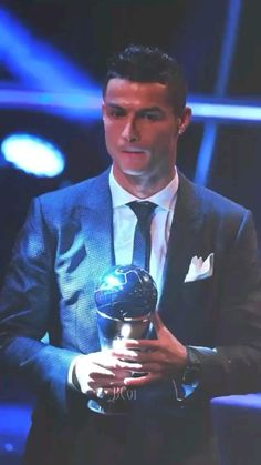 Critiano Ronaldo, Cristiano Ronaldo Video, Cristiano Ronaldo Wallpapers, Ronaldo Football, Messi Videos, Ronaldo Videos, Daily Motivational Quotes, Gull, Neymar