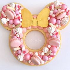 Cake amazing disney mickey mouse ideas for 2019 Pretty Cakes, Cute Cakes, Beautiful Cakes, Amazing Cakes, Bolo Minnie, Minnie Mouse Cake, Mickey Mouse, Disney Mickey, Pink Minnie