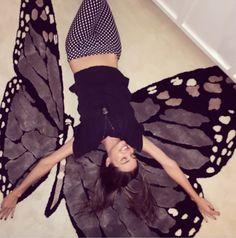 Miranda Kerr Takes Flight on a Butterfly Rug - Victoria Secret Fashion, Victorias Secret Models, Australian Models, Australian Fashion, Orlando Bloom, Style Miranda Kerr, Fashion Show 2016, Most Beautiful Images, Spring Summer Fashion