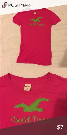 Hollister t-shirt Pink and green Hollister t-shirt, gently used. Hollister Tops Tees - Short Sleeve
