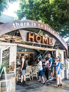One of the best breakfast places in LA - cool and great for big brunches... and it's al fresco dining!