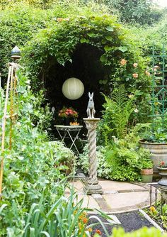 Whimsical Garden With Statue And Trellis With Climbing Plant And Paper Lantern : Garden And Lawn , Creating A Whimsical Garden - Alles über den Garten Garden Planning, Beautiful Gardens, Garden Statues, Climbing Plants, Garden Design, Cottage Garden, Plants, Whimsical Garden, Gorgeous Gardens