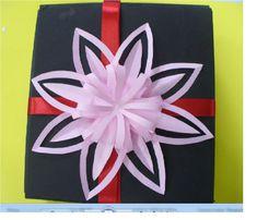 DIY Paper Flower Gift Topper - Createsie