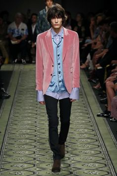 Burberry | Ready-to-Wear Spring 2017 | Look 64