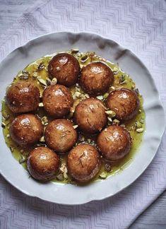 Syrup Sponge Balls - The Happy Foodie Nadiya Hussain Recipes, Syrup Sponge, Lebanese Desserts, Lebanese Cuisine, British Baking, Desi Food, Indian Dishes, Fun Cooking, Everyday Food