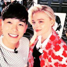 Eric Nam Shares A Photo Taken With Actress Chloe Moretz On Instagram - http://imkpop.com/eric-nam-shares-a-photo-taken-with-actress-chloe-moretz-on-instagram/