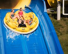 Guinness World Records - the global authority on record-breaking - confirmed that the World's Longest Water Coaster is Mammoth at Holiday World. World Ticket, Holiday World, Wisconsin Dells, Win Tickets, Christmas In July, Roller Coaster, North America, Safari, Coasters
