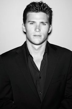 Scott Eastwood: Clint Eastwood's smokin' hot son. Owwww. He's also in Texas Chainsaw Massacre 3D... I about lost it at the movie theaters and not over Trey
