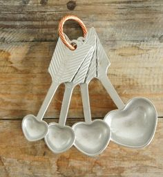 heart measuring spoons.