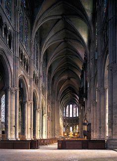 GOTYK: Katedra w Chartres, Francja - sklepienia nawy głównej