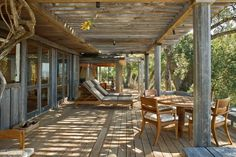 Big Sur Cabin with Mid-Century Accent Pieces and Earth Tone Palette by Studio Schicketanz Architects: Robert Canfield Photography Location: Carmel, California, USA Year: 2015 Photo courtesy: Robert Canfield Photography Thank you for reading this article! Rustic Deck, Rustic Outdoor, Outdoor Lounge, Outdoor Living, Outdoor Patios, Pergola Ideas For Patio, Pergola Patio, Big Sur Cabin, Porches