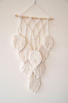 Macrame wall hanging leaf decor gift for a friend bedroom Macrame Design, Macrame Art, Macrame Projects, Macrame Knots, Macrame Wall Hanging Patterns, Macrame Plant Hangers, Macrame Patterns, Quilt Patterns, Diy Broderie