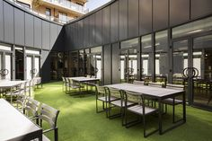 ThirdWay Interiors has developed the new offices of web performance marketing agency Merkle / Periscopix located in London. Interior Fit Out, Room Interior, Interior Design, Pasto Natural, Light And Space, Outdoor Furniture Sets, Outdoor Decor, Commercial Interiors, Office Interiors