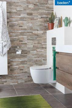 Badkamerinspiratie: een moderne uitstraling met natuurlijke tinten. Toilet: Ideal Standard Badkamermeubel: Primabad Coast