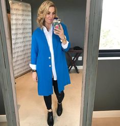 blue,white and black outfit for the day! Post Pregnancy Clothes, Pre Pregnancy, Pregnancy Outfits, Image Coach, Blue And White, Black, Personal Style, Duster Coat, Stylists