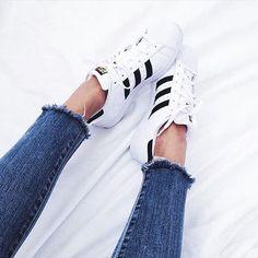 #perfectcouple 👀👀 El desflecado del jean....like like 💕 ▫️ #ootd #inspo #inspiration #love #style #trend #shoes #lookbook #look #girl #beautiful #beauty #cool #moda #estilo #glam #chic #vogue #blogger #instafashion #instagood #photooftheday