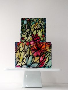 Cool, a stained glass looking cake.  Don't know if I'd want it as a wedding cake, but still cool.