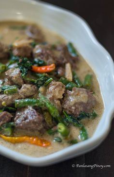 Baka – Beef in Coconut Milk with Green Beans and Spinach ginataang baka with green beans recipeginataang baka with green beans recipe Filipino Dishes, Filipino Recipes, Asian Recipes, Beef Recipes, Cooking Recipes, Filipino Food, Healthy Recipes, Pinoy Beef Recipe, Filipino Desserts