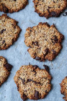 Sunde cookies med havregryn og chokolade (uden æg - vegansk) Healthy Muffins, Healthy Cookies, Healthy Desserts, Love Food, A Food, Food And Drink, Low Carb Köstlichkeiten, Danish Food, Vegan Cake