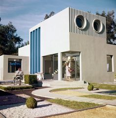 """Coolest movie house : """"la villa Arpel"""" - Mon Oncle (1958) Jacques Tati."""