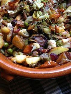 frito mallorquin de verduras Clean Recipes, Cooking Recipes, Spanish Kitchen, Mediterranean Recipes, C'est Bon, Vegetable Dishes, Food To Make, Yummy Food, Yummy Yummy