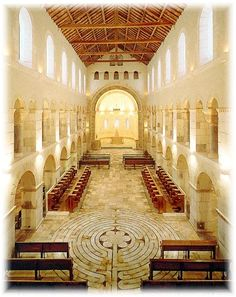 Abbaye Notre-Dame Saint Rémy de Rochefort