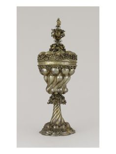 """Coupe à cupules à la manière """"gothique"""" - Musée national de la Renaissance (Ecouen)"""