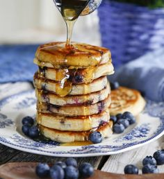 Brunch Recipes, Cake Recipes, Sugar And Spice, Deli, No Bake Cake, Afternoon Tea, Food To Make, Deserts, Food And Drink