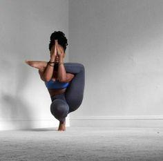 toe stand | yoga Máshttp://fit-black-girls.tumblr.com/post/151143087809/