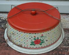 Tin Cake or Pie Carrier 1940s or 1950s , Charming Red Green Plaid Rose Pattern Kitchen , Cottage Chic , Country Chic , Display Piece