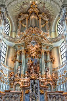 Altarpiece of the Dresden Frauenkirche, Germany Sacred Architecture, Cultural Architecture, Baroque Architecture, Classical Architecture, Beautiful Architecture, Beautiful Buildings, Beautiful Places, Renaissance Architecture, Aesthetic Vintage