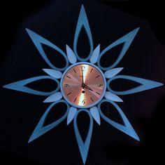 Vintage Syroco 50s 60s Mid Century Two Tone Starburst Sunburst Wall Clock