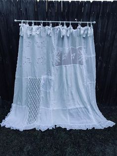 Shabby Chic Shower Curtain White Cottage Chic Nordic Chic Bathroom Shower Ruffled Curtain Vintage Crochet Vintage Embroidery Source by gjserratquerol Cottage Chic, Shabby Chic Farmhouse, White Cottage, Shabby Chic Kitchen, Farmhouse Ideas, Shabby Cottage, Shabby Chic Shower Curtain, Vintage Shower Curtains, Bathroom Shower Curtains
