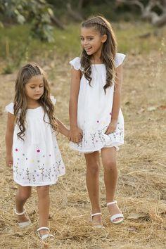 Little Girl Hairdos, Girls Hairdos, Flower Girl Hairstyles, Little Girl Outfits, Cute Hairstyles, Halloween Hairstyles, Hairstyle Short, Natural Hairstyles, Toddler Hairstyles