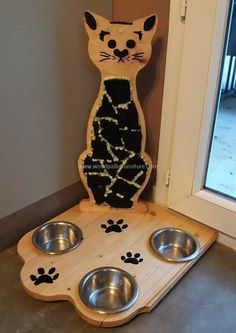 pallets made cat food bowl