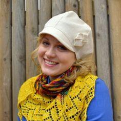 Tuohikukka-malli Samettista valmistettu kevät päähine on hyvin istuva, taiteltu solmuke somisteena. #personaldesignhat #hattu #springhat2015