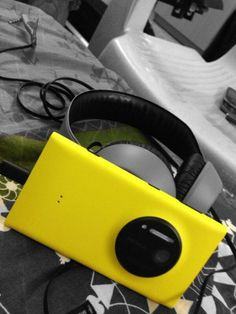 @Deborah MaHarrey-Royce Motor Cars #RollsRoyceinColour My Dream Rolls Royce Phantom Drophead Coupe in Nokia Lumia 1020 yellow colour!! pic.twitter.com/5U6K3ASA... Rolls Royce Phantom Drophead, Smart Phones, Motor Car, Colour, Cars, Yellow, Twitter, Cutaway, Color